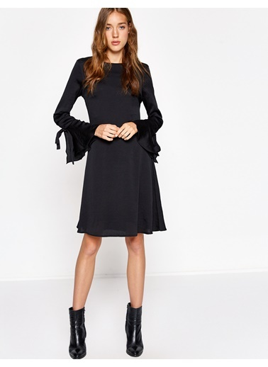 Volan Detaylı Kısa Elbise-Koton